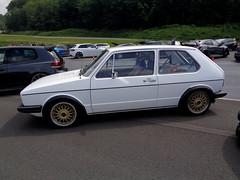 VW Golf 1 (911gt2rs) Tags: treffen meeting show event tuning tief youngtimer mk1 rabbit dub weis white bbs felgen wheels rims oldschool goldenefelgen