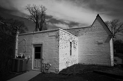 (noir imp) Tags: streetphotography stark chicagoland highcontrast blackandwhite cottage noir ricohgr2