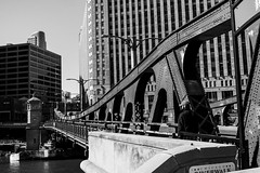 Street photos 4-29-2018 pic5 (Artemortifica) Tags: canon24mm chicago riverwalk sonya6300 streetphotography buildings candid commuters downtown people structures urban
