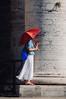 """Sous l'ombrelle ... ( P-A) Tags: antique architecture italie08 rome soleil touristes visiteurs chaleur ombrelles voyageurs placestpierre simpa© été photos """"nikonflickraward"""""""