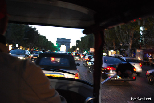 Париж, Єлісейські поля InterNetri  France 017