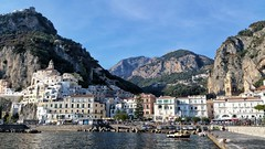 Amalfi (uffagiainuso) Tags: amalfi amalficoast costieraamalfitana seaport seashore seascape seaside seasons landscape panorama paesaggio paisage cityview cityscape explore explorer borghi paesidimare village italianvillages beautifulview beautifulitaly italytrip italyvacations italiantrip vacation holiday trip