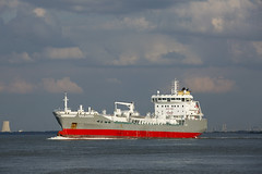 SOLANDO (angelo vlassenrood) Tags: ship vessel nederland netherlands photo shoot shot photoshot picture westerschelde boot schip canon angelo walsoorden solando tanker