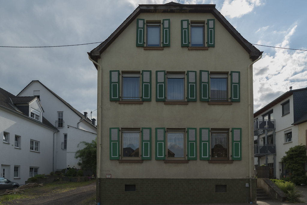 The World S Newest Photos Of Fensterladen And Haus Flickr Hive Mind
