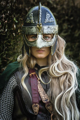 Éowyn (Fotografreek) Tags: lotr lordoftherings eowyn cosplay cosplaygirl beauty helmet blond blonde longhair beautifuleyes bestportrait magnificentportrait