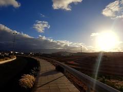 Sol y nubes... porque en este mundo tiene que haber un poco de todo... 😂💜⛅🌄 (Ana R. Palma) Tags: grancanaria goforawalk depaseo atardecer canaryisland islascanarias sunset canarias fotografia photografy