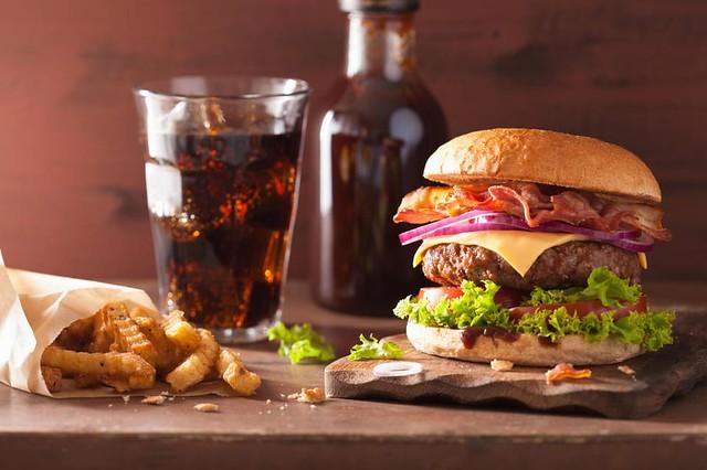 Специалисты составили список вредных блюд для сердечно-сосудистой системы