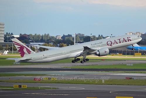 """Sadriyate al ham / سدرية الهام"" Qatar Airways A7-BEC Boeing 777-3DZER cn/43216-1226 @ EHAM / AMS 09-09-2017"