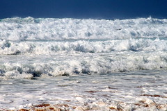 WHITE RIOT (André Pipa) Tags: sea ocean marésvivas hightide levante oceanonfury roughsea marpicado waves ondas marondulado castelejo praiacastelejo algarve costavicentina portugal algarvewildbeaches photobyandrépipa oceanimmensepower impeto