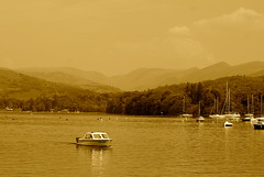 picture perfect (wh3sley) Tags: thelakes boats lake mountains view thelakedistrict