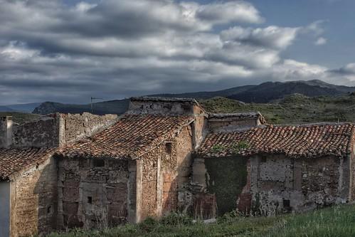 Viejas edificaciones adosadas en Clavijo.