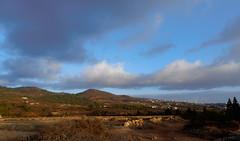 Spain Tenerife / Ifonche (h_j.sauermann2021) Tags: 2017 20171213spainteneriffa spain tenerife teneriffa sun holiday landscape light colours bright town sky himmel landschaft blau blue wald forest kiefer pine tenerifeifonche ifonche berge mountains abend evening