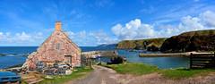 Cove, Scotland. (andrewmckie) Tags: cove scottishborders scotland scottishscenery scenery scottish harbour groupenuagesetciel