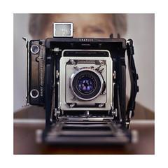 Selfie (VanveenJF) Tags: centurygraphic graflex sony film a7ll fujinon ebc 50mm f14 2x3 120 medium vintage legacy rollfilm old american weegee newyork wollensak raptar viewfinder eastwood clint book wisdom portrait karat synchronized finder