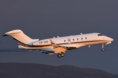 CS-CHD Challenger 350 EGPH 18-05-18 (MarkP51) Tags: cschd bombardier bd100 challenger 350 netjets bizjet corporatejet edinburgh airport edi egph scotland aviation aircraft airplane plane image markp51 sunshine sunny nikon d7200 aviationphotography