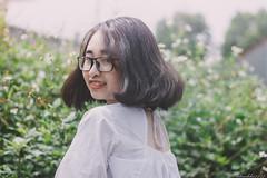 IMG_3205 (Haru2212) Tags: girl ngoàitrời người lightroom nature natural naturalbeauty canon sunday canon450d smile magic vietnamese vietnam