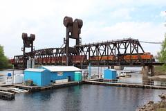 BNSF 3996 Take 1 (CC 8039) Tags: bnsf et44c4 ac44cw lift bridge prescott wisconsin