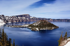 Crater Lake (erichudson78) Tags: usa oregon craterlake landscape paysage lac lake canoneos6d canonef24105mmf4lisusm craterlakenationalpark wideangle grandangle montagne mountain ciel sky eau water nature may mai 7dwf hiking blue bleu ile island