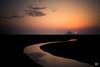 Suivre la courbe (flo73400) Tags: paysage landscape normandie sunset see darkness