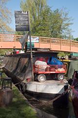 20180506-Berkhamsted_002-119 (Jackie_Emm) Tags: berkhamsted canalandrivertrust floatingmarket hertfordshire herts market boat canal dayout narrow