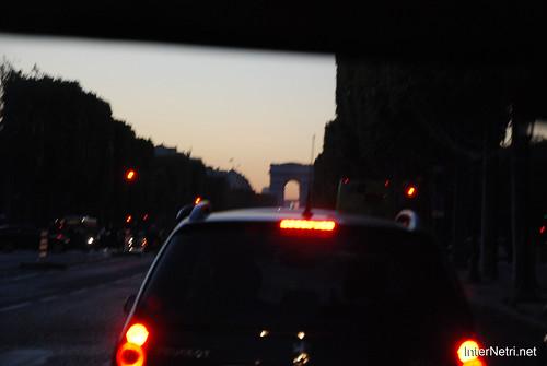Париж, Єлісейські поля InterNetri  France 002