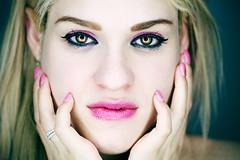 Karen (Olivier Rapin) Tags: 20180317 femme fille girl karen olivierrapinphotographie shooting sonyalpha77ii studio woman ring light rose pink