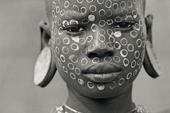 Ethiopian Portraits (foto_morgana) Tags: people bw portraits tribes bodypainting ethiopia surma theface stretchedearlobes abigfave superbmasterpiece