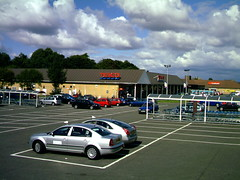Tesco, Superstore BARRHEAD ( Jimmy MacDonald ) Tags: shopping alba center tesco shops stores westbourne glaschu eastrenfrewshire barrhead kelburnstreet ceannabhirr seumasmacdhmhnaill siorrachdrinnfrianear lrachlinsheumaismhicmacdhmhnaill bth str
