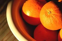 oranges (michenv) Tags: house kitchen interestingness michelle australia explore exploreinterestingness oranges kitchentable fruitbowl kiss2 オーストラリア saladbowl interestingness320 kiss3 i500 kiss1 kiss4 over200views kiss5 michenv over10faves explore2sept06 over35comments michenvexplore