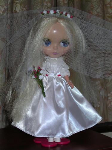 Beautiful Blythe Bride!