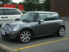 Another Mini Cooper S from BMW. (Steve Brandon) Tags: new ontario canada silver clyde parkinglot ottawa mini retro bmw minicooper nepean minicoopers stripmall neoclassic britishcar newmini  merivale  compactcar englishcar bmwminicooper newminicooper bmwnewminicooper bleekermall