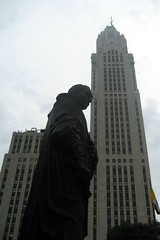 Ohio - Columbus: Christopher Columbus statue and LeVeque Tower
