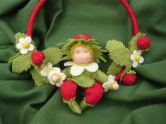 Hanging strawberries (Elina Aulikki) Tags: wool felted felting handmade waldorf felt feltro steiner filz naturetable feltdoll