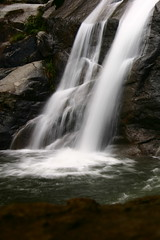 Side view of the bigger waterfall (MNesterpics) Tags: nature topf25 water topv111 rock virginia waterfall interestingness interesting topv333 rocks topc50 scout 2006 falls explore waterfalls va shenandoah thebest skylinedrive shenandoahnationalpark naturesfinest snp whiteoakcanyon calendarshot easternnorthamericanature top10nature abigfave 2pair goldmedalwinner 12from2006 yourbestshot onlythebestare twtmesh220718 platinumheartaward goldstaraward