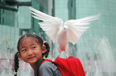 """I am happy to carrying the peace"" (Luo Shaoyang) Tags: china street girl nikon peace child action dove pigeons joy chinese beijing free nikond70s   joyful madeinchina streetshot  luo frontpagenews      actionphotos chinesechild  fivestarsgallery beijinger  anawesomeshot aplusphoto  holidaysvacanzeurlaub firsttheearth luoshaoyang happinessconservancy"