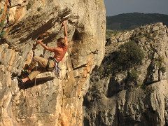cruising (squeezemonkey) Tags: spain catalunya climber osdebalaguer