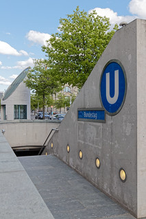 U-Bahnhof (U55) Bundestag - Eingang