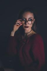 Federica (www.michelconrad.fr) Tags: bleu vert rouge canon eos6d eos 6d ef24105mmf4lisusm 24105mm 24105 femme modele portrait studio noir lingerie pose pull collants canapé cousins blanc bordeaux lunettes