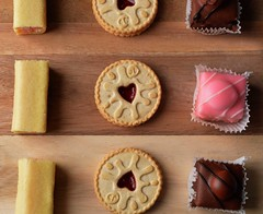Jammy Dodgers (SophieBirdo.0) Tags: sharp clean tea cake photography london diy british britain food aesthetic biscuits cookies