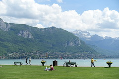 Lawn @ Pâquier @ Annecy (*_*) Tags: annecy hautesavoie france 74 europe savoie may 2018 spring printemps sunny afternoon lakeannecy lacdannecy lake lac pâquier park pelouse lawn