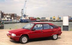 Citroën BX 19 TRS Automatic (Skylark92) Tags: nederland nehterlands holland zuidholland southholland vlaardingen haven harbour citroen bx photoshoot tonemapped citroën 19 trs automatic tf40zr 1988