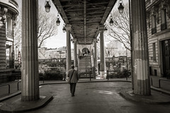 Underneath the Pont Bir-Hakeim. Paris, France (-eXpLoRiOn-) Tags: frankrijk parijs uitstap