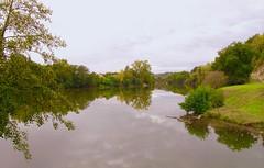 """Quand le """"Lot"""" devient miroir !  """"Lot et Garonne - France""""  -   When the """"Lot"""" becomes a mirror! (josianelavielle) Tags: fleuve eau reflets arbres nature automne ciel nuages paysage"""