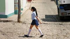 CUBA Trinidad La Gente VII (stega60) Tags: cuba trinidad estudiantes calle escuela students street people che light colores colors stega60