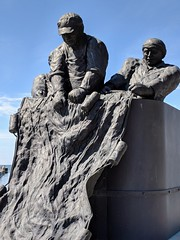 Monument to Commercial Fishermen Who Have Lost Their Lives (jmaxtours) Tags: