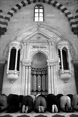 have a little faith in me (bostankorkulugu) Tags: alaüddevlemosque alaüddevlecamii alaüddevle mosque antep gaziantep turkey men prayer namaz middleeast islam religion muslim