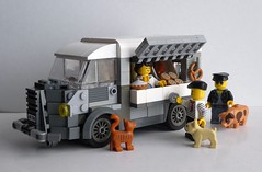 Citroën HY Patisserie (captain_joe) Tags: citroënhy citroën hy toy spielzeug 365toyproject lego minifigure minifig moc car auto baker bäcker marktwagen lieferwagen cat bulldog pig schwein