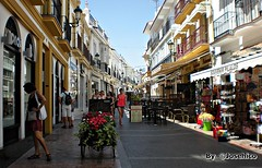Calle de NERJA. (José Hijano Comino) Tags: malaga málaga españa nerja es nikoncoolpixs210 vacaciones ©josehico