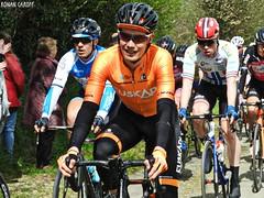 DSCN3823 (Ronan Caroff) Tags: cycling cyclisme ciclismo cyclist cycliste cyclists velo bike course race trobroleon coupedefrance france bretagne breizh brittany 29 finistère lannilis ribin ribinou dust mud poussiere boue men man sport sports avril april