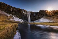 Seljalandsfoss (Paco Herrero) Tags: spreader cascada waterfall paisaje landscape islandia iceland sunstar